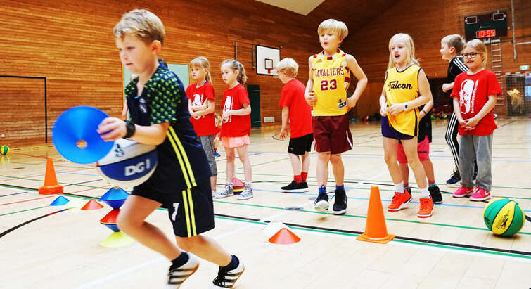 Children running relay
