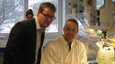 Willerslev and Rasmussen in the lab.