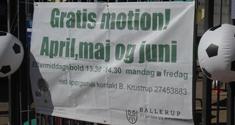 Banner med tilbud om gratis fodbold